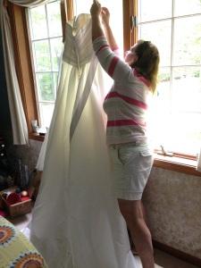 mom-hanging-up-dress